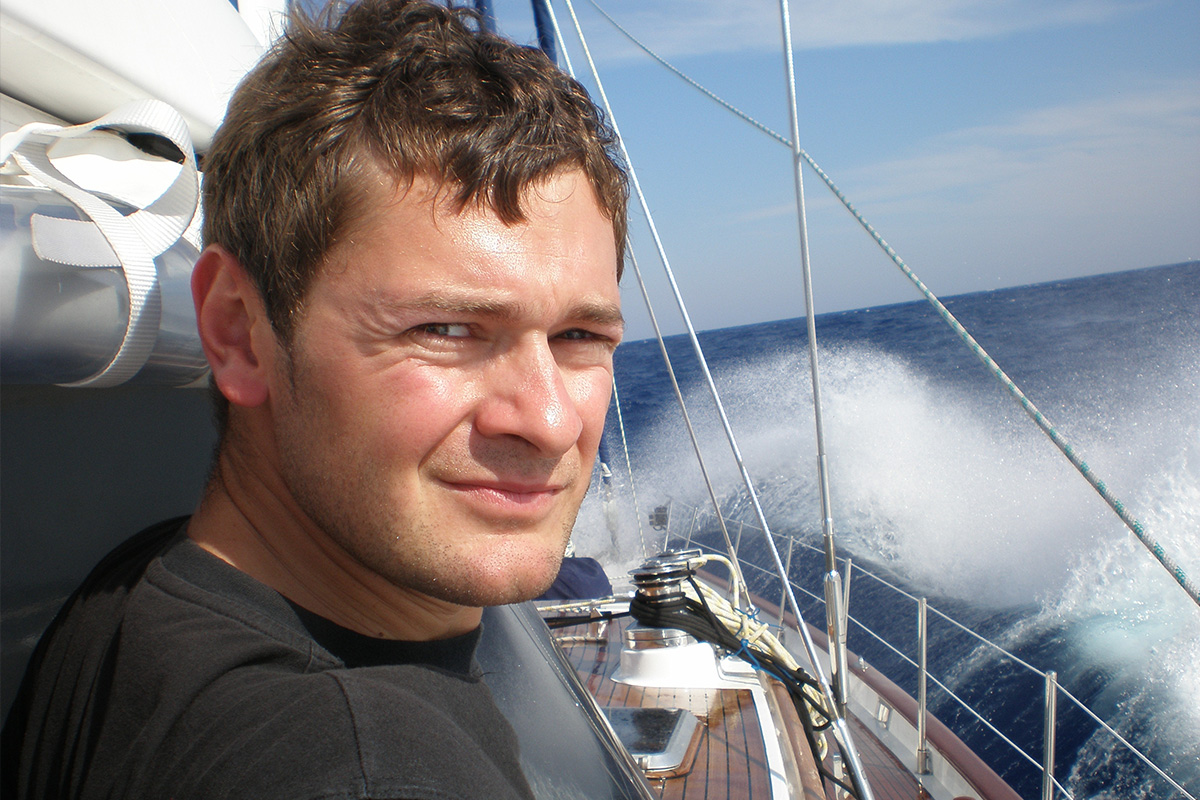 Петър Стоименов Karela Sailing | Капитански курсове до 40 БТ. Ветроходство. Учебни плавания с яхта по море. Курсове за шкипери и капитани.